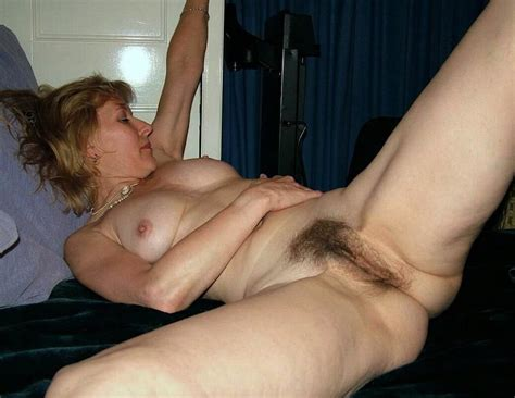 Amateur Spread Natural Hairy Pussies On Show 01 50 Pics