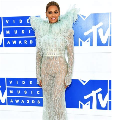 Best And Worst Red Carpet Looks At Mtv's Video