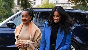 Meghan Markle Overjoyed by Fan's Message for Her Mom Doria ...