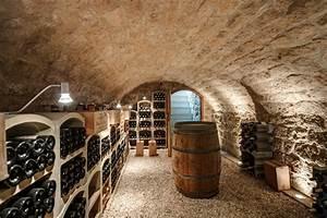 Construire Une Cave Voutée En Pierre : maison dans le vexin contemporain cave vin paris ~ Zukunftsfamilie.com Idées de Décoration