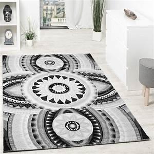 designer teppich kurzflor mit glitzergarn abstrakt With balkon teppich mit tapete ornamente weiß