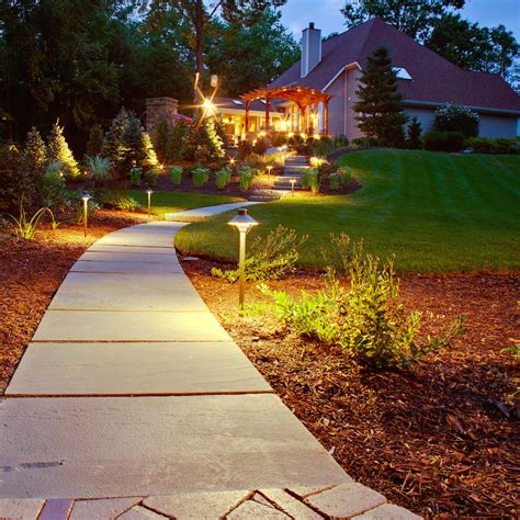 led vs halogen lights which type of landscape lighting
