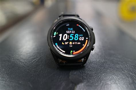 As confusing as it might seem, the galaxy watch active 4 will launch with the name galaxy watch 4, while the galaxy watch 4, the premium smartwatch, will launch as the galaxy watch 4 classic, so keep that in mind. Samsung's Galaxy Watch 4 smartwatch may launch sooner than ...