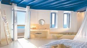 1001 photos inspirantes pour une decoration grecque With nice meubles blancs style bord de mer 9 deco ethnique bleu