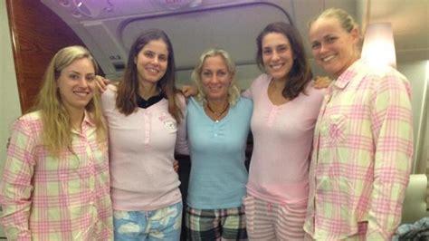 fed cup tennisheldinnen feiern finaleinzug mit