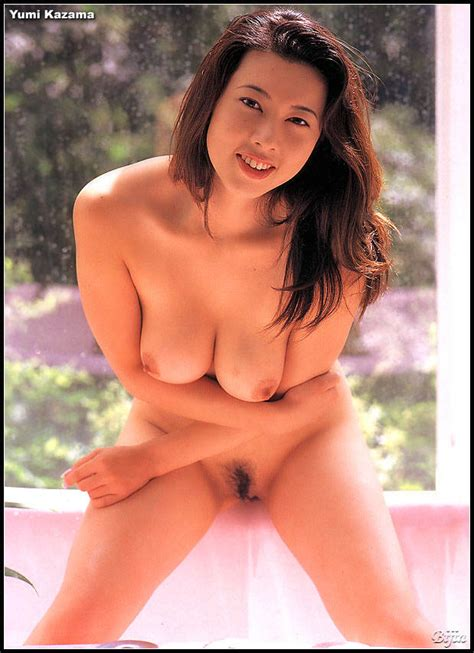 Yumi Kazama Nude Sexy Babes Naked Wallpaper