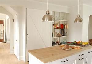 Kleine Küchen Einrichten : 33 platzsparende ideen f r kleine k chen freshouse ~ Indierocktalk.com Haus und Dekorationen