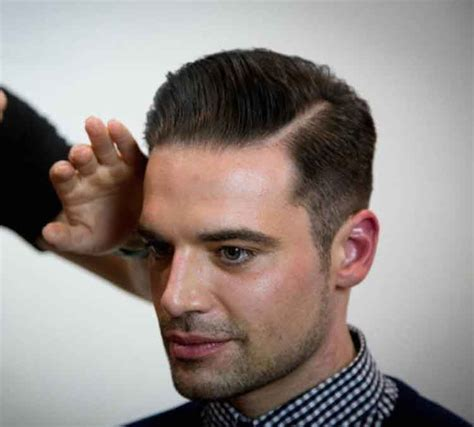 haircuts  men based  face shapes world hair trends