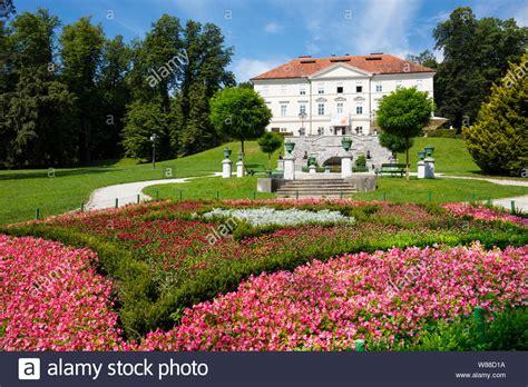 Castillo de Tivoli en Liubliana el parque Tivoli Tivoli ...