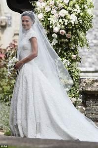 pippa middleton chose giles deacon for wedding dress With giles deacon wedding dresses