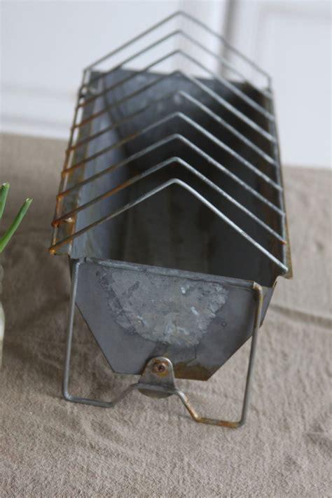 Aging Galvanized Metal ? DIY Antique Looking Chicken