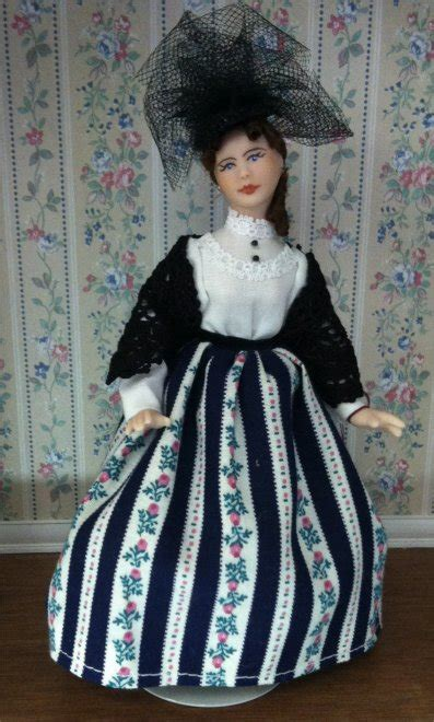 dollhouse women    scale  fingertip fantasies dollhouse miniatures