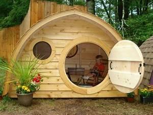 Kinder Gartenbank Holz : coole gartengestaltung mit einem spielhaus aus holz sonja pinterest spielhaus aus holz ~ Whattoseeinmadrid.com Haus und Dekorationen