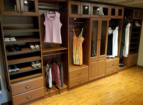 tracking  leaders  cabinets furniture millwork