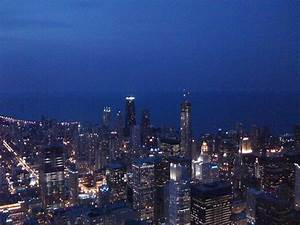 Nighttime in Chicago | View from the Skydeck in the Sears ...