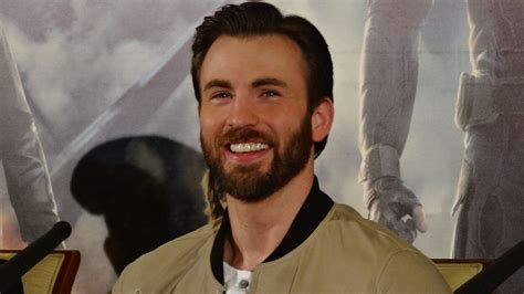 Chris Evans Accidentally Leaks His Nudes, His Brother ...