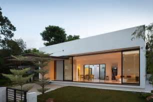 small contemporary house plans modern small house plans modern courtyard house plans