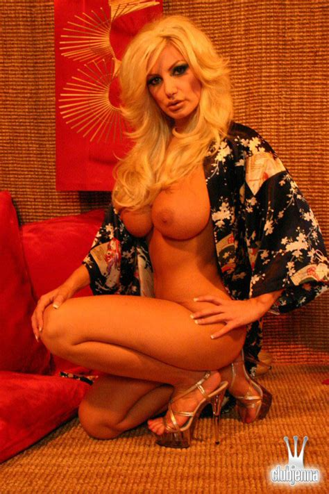 Lesbian Pornstar Brittany Andrews Takes Her Japanese