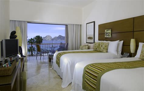 rooms and me suites me cabo