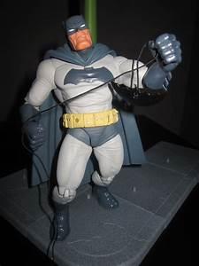Gallery For > The Dark Knight Returns Joker Figure
