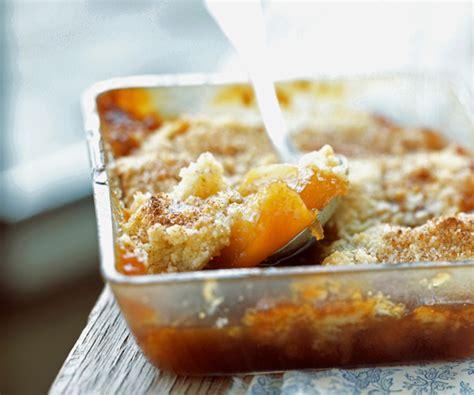 crumble aux pommes et caramel au beurre sal 233 recette du chef lignac