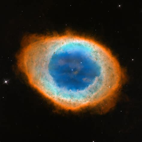 Hubble image of the Ring Nebula (Messier 57) | ESA/Hubble