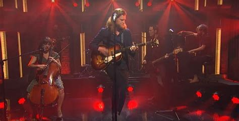 The Lumineers Give Sweet Live Performance Of 'angela' On