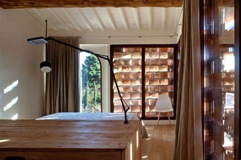 renover bureau bois idées pour rénover une maison de cagne avec piscine