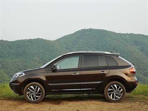 The renault koleos is a compact crossover suv which was first presented as a concept car at the geneva motor show in 2000, and then again in 2006 at the paris motor show, by the french manufacturer renault. RENAULT Koleos specs & photos - 2013, 2014, 2015, 2016 ...