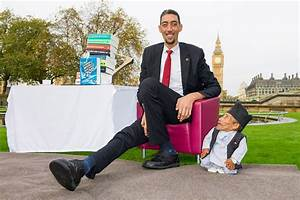 World's Tallest Man Meets Shortest: Guinness World Records ...