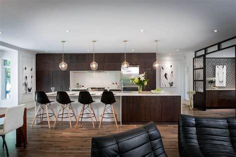 les plus cuisine moderne une cuisine moderne avec un style équestre les armoires