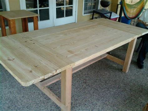 Farmhouse Dining Table-diy Projects