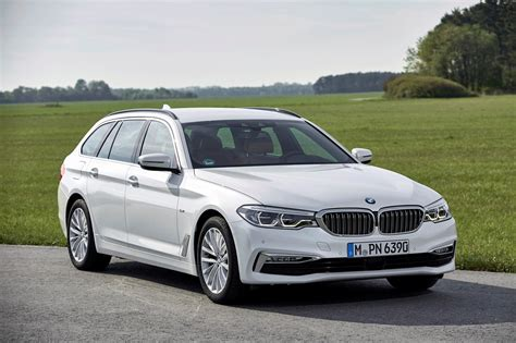 Review Bmw 5 Series Touring by Bmw 5 Series Touring Review 2019 Parkers
