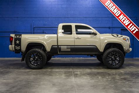toyota tacoma  lifted amazing photo gallery
