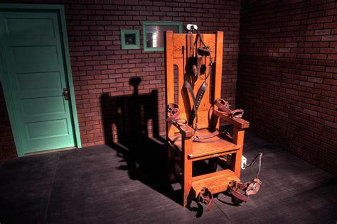 the electric chair was invented by i useless knowledge
