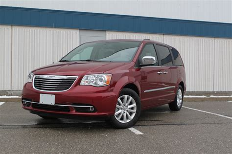 2016 Chrysler Town And Country Review  Autoguidecom News