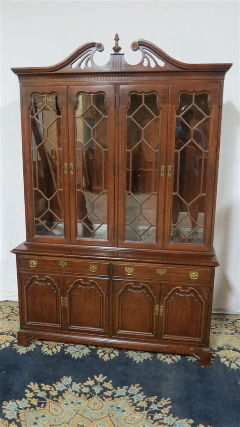 China Cabinet And Dining Room Set by Thomasville China Cabinet Breakfront Mahogany Dining Room