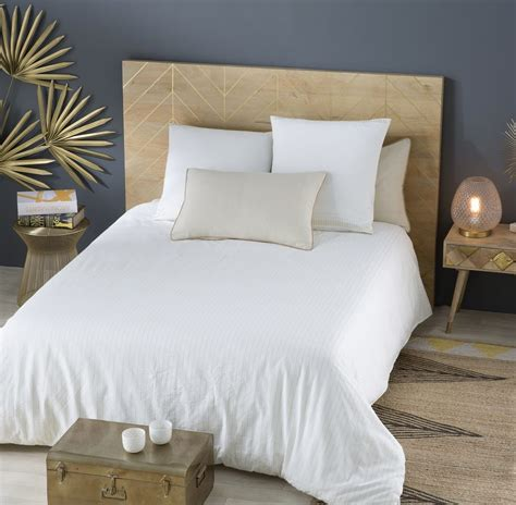 La meilleure offre se trouve. Tête de lit 160 en manguier massif motifs dorés Stella | Maisons du Monde