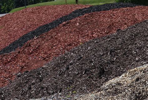 what color mulch is best what color mulch to use 28 images 21 best images about colored mulch on pinterest pathways