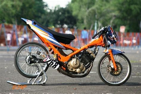 Drag Satria by Drag Bike Suzuki Satria 150 F