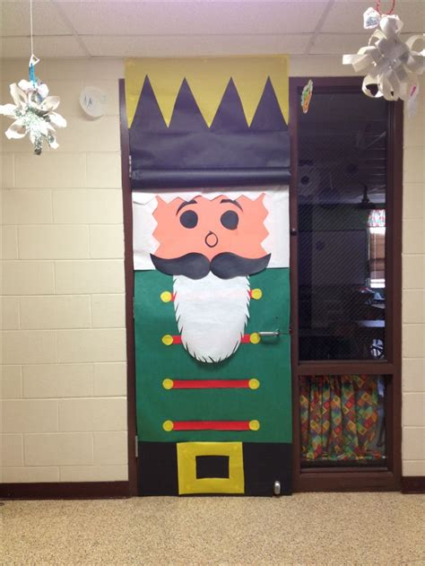 The 25 Best Christmas Classroom Door Decorations Ideas On