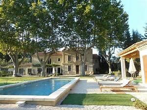 Un Mas En Provence : au mas des pampres la provence s 39 offre v homelidays ~ Farleysfitness.com Idées de Décoration