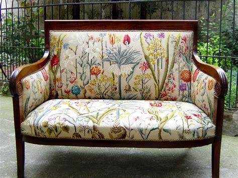 canapé de style canapés de style tapisserie neves tapissier fort de plus