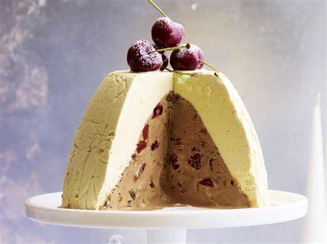 Jun 02, 2021 · this oat milk ice cream has two secrets to make it luxuriously creamy: Frozen Christmas pudding | Recipe | Christmas ice cream, Christmas pudding, Ice cream cake
