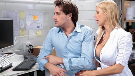 Alexis Fawx Arya Fae The Incredible Guy alexis fawx welcomes a new employee