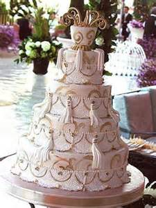 extravagant wedding cakes amazing wedding cakes for the rich you