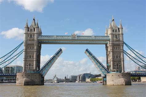 Tower Bridge Picture by Captain Jp S Log On The Thames Barge