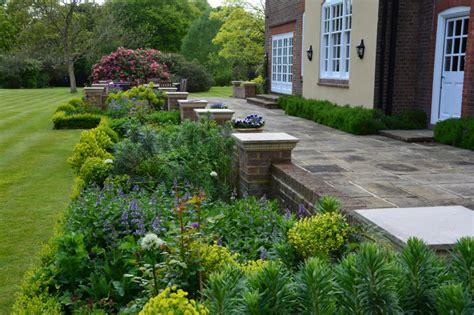 7 Garden Design Ideas For An English Country Garden The