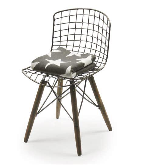 pied de chaise noël pied de chaise en bois table et chaises