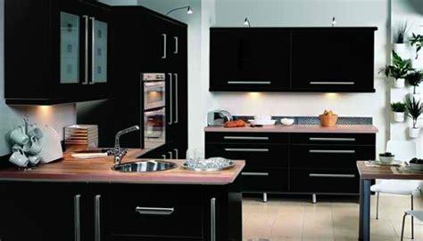glossy black kitchen cabinets cuisine et moderne 15 id 233 es pour vous r 233 concilier 3851